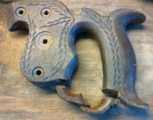 damaged handsaw handle